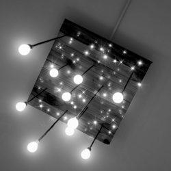PIXLUM Deckenplatte mit LEDs und Hängeleuchten