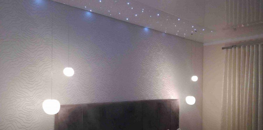 Schlafzimmer mit Spanndecke und Sternenhimmel | LED ...